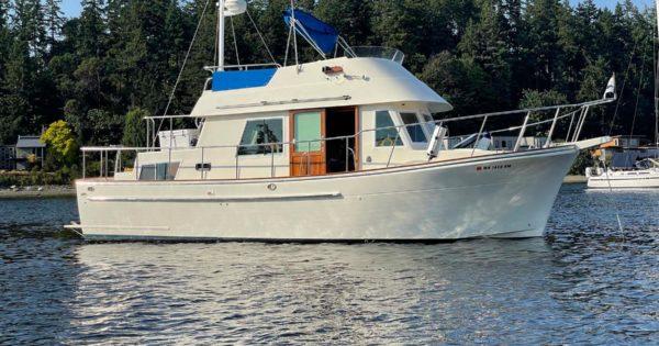 Photo of 2002 CHB 34′ Trawler Aft Cabin